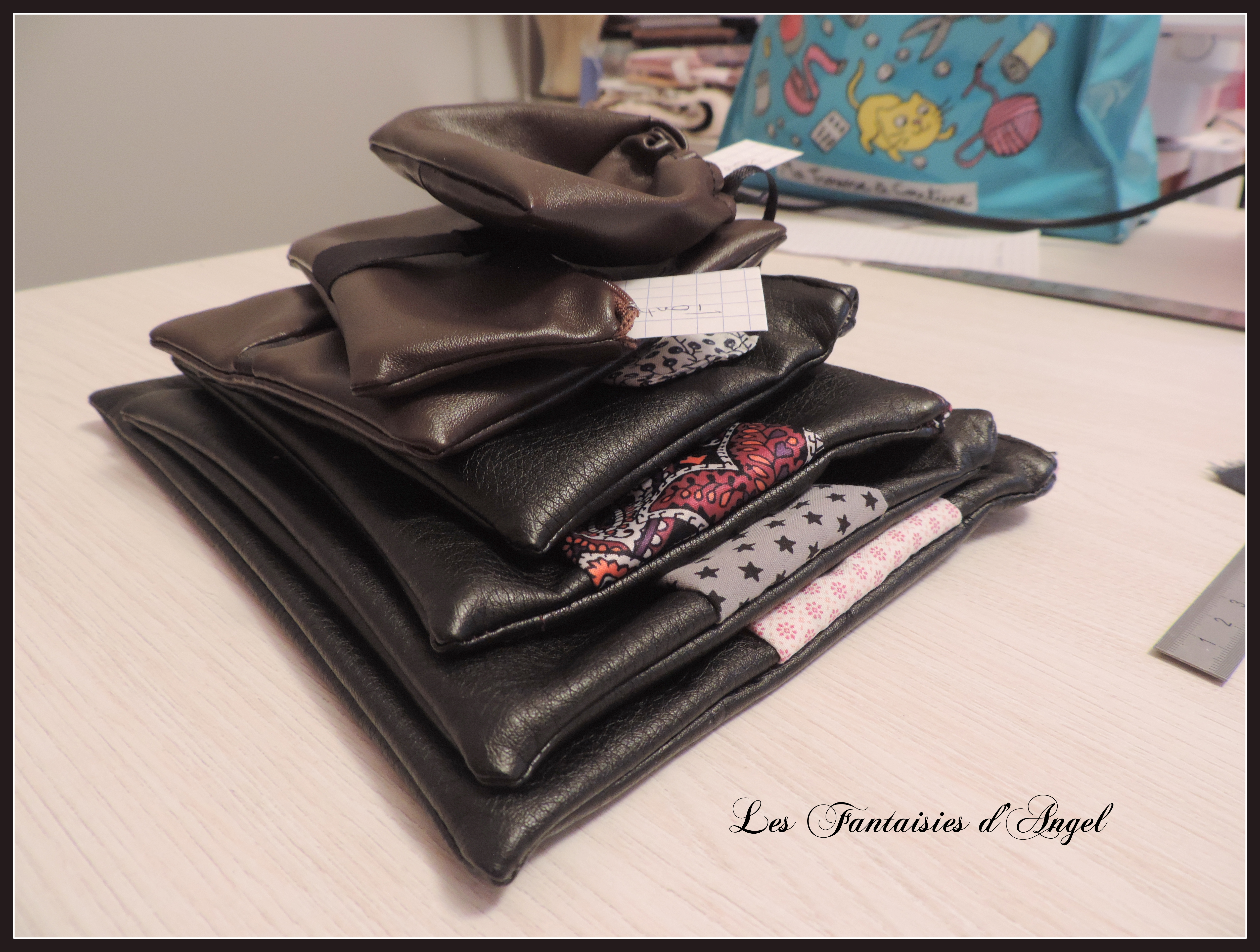 diy porte monnaie pour les hommes les fantaisies d 39 angel. Black Bedroom Furniture Sets. Home Design Ideas